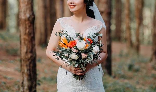 Mẫu hoa cầm tay cho cô dâu đẹp và phù hợp với từng phong cách (9)