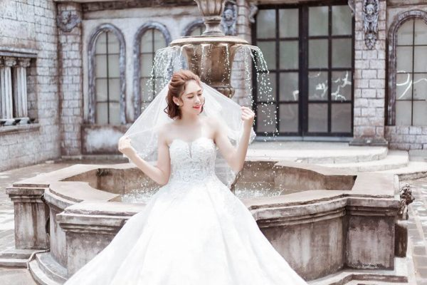 Top 7 kiểu tóc đẹp cho cô dâu mặc áo dài cưới (4)