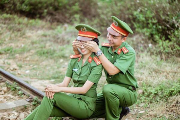 Chụp ảnh cưới quân phục công an, sĩ quan - Giản dị nhưng ấm áp (3)