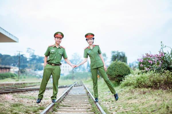 Chụp ảnh cưới quân phục công an, sĩ quan - Giản dị nhưng ấm áp (7)